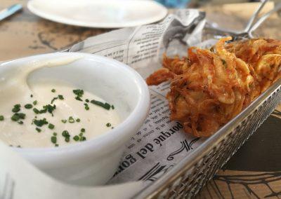 Taco de merluza envuelto en tortillita de camarones