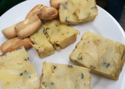 Tortilla con hierbabuena